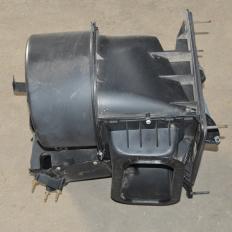 Carcaça caixa ar condicionado F4000 2.8 cummins 4x4 2015 4cc
