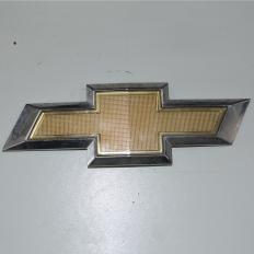 Grade símbolo do para-choque dianteiro do Ônix LTZ 1.4