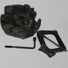 Macaco e Chave de Roda do Ônix LTZ 1.4
