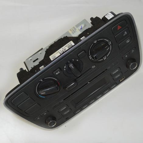 Rádio original com comando ar do Up 1.0