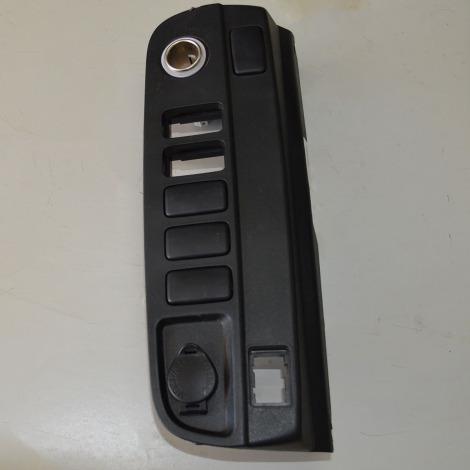 Acabamento botão do painel com acendedor da Hilux SW4 2012/... 3.0