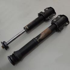 Par de amortecedores dianteiros da Sprinter 313 CDI 2008