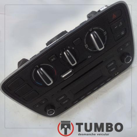 Rádio com USB e comando de ar do VW UP 1.0 TSI