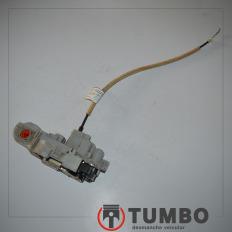 Fechadura elétrica da porta dianteira direita do Fiat Bravo 1.8 2013