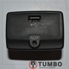 Conector USB auxiliar com rádio e bluethooh do Fiat Bravo 2015/2016