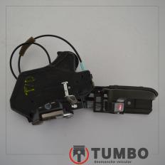 Fechadura com maçaneta interna traseira direita da Hilux 2014 2.7 4x2 Flex