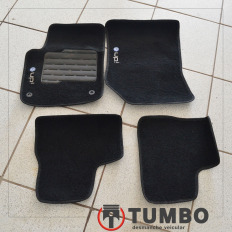 Conjunto de tapetes internos do VW UP 1.0