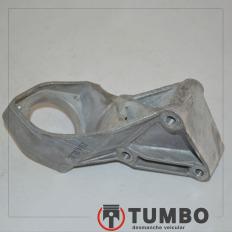 Suporte alumínio do semi eixo dianteiro direito da Hilux SW4 2011 4x4 3.0 aut